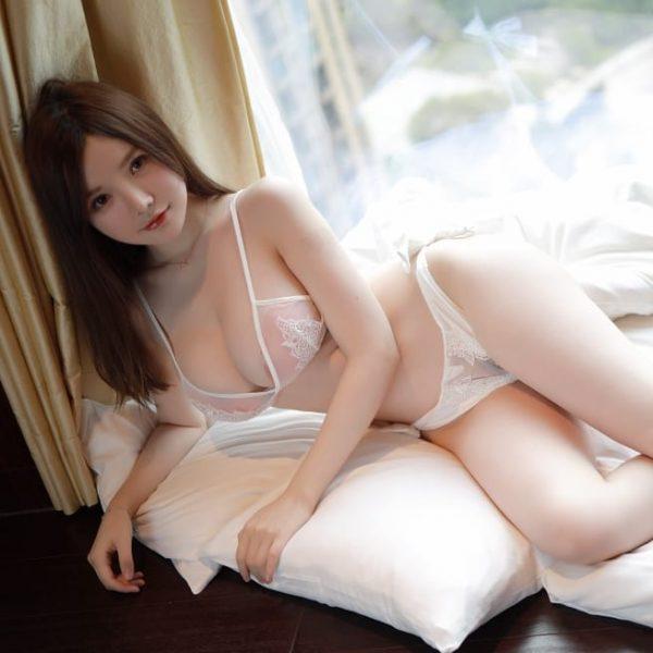 do-lot-bo-sexy-trang-den